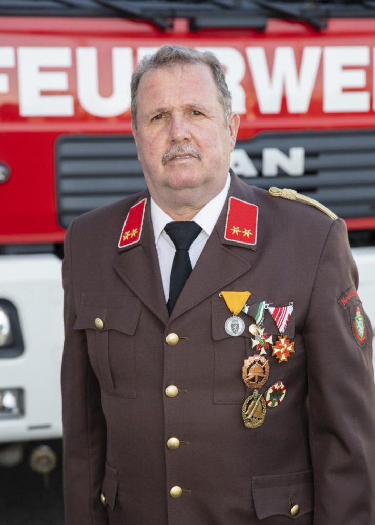 OBI a. D. Rossmann Franz